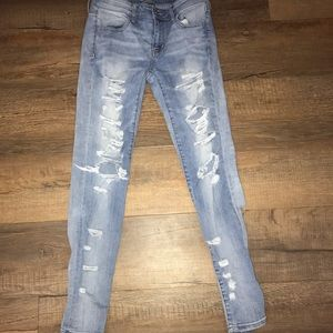 American Eagle Super-Stretch Distressed Blue Jeans